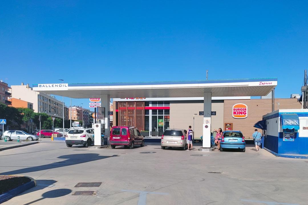 estación de servicio de Ballenoil en Alaquàs
