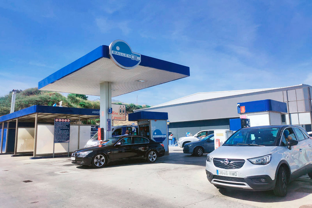 Gasolinera Ballenoil Estepona
